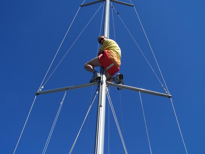 182 15 Kapitán opravuje plachtu